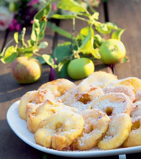 Apfel-Ringe im Topfenteig